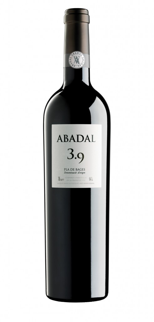 Abadal 3.9 wine bottle design