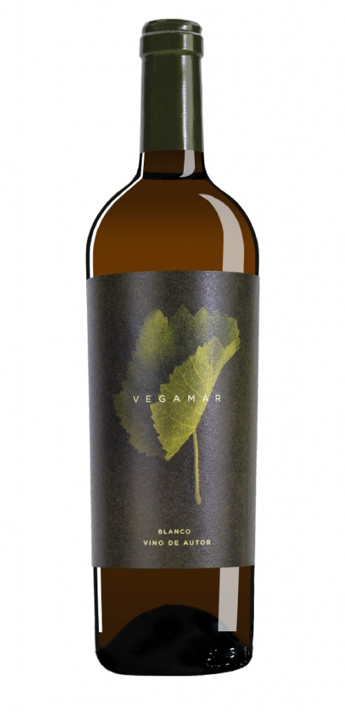 Vegamar Blanco Vino Autor wine bottle design