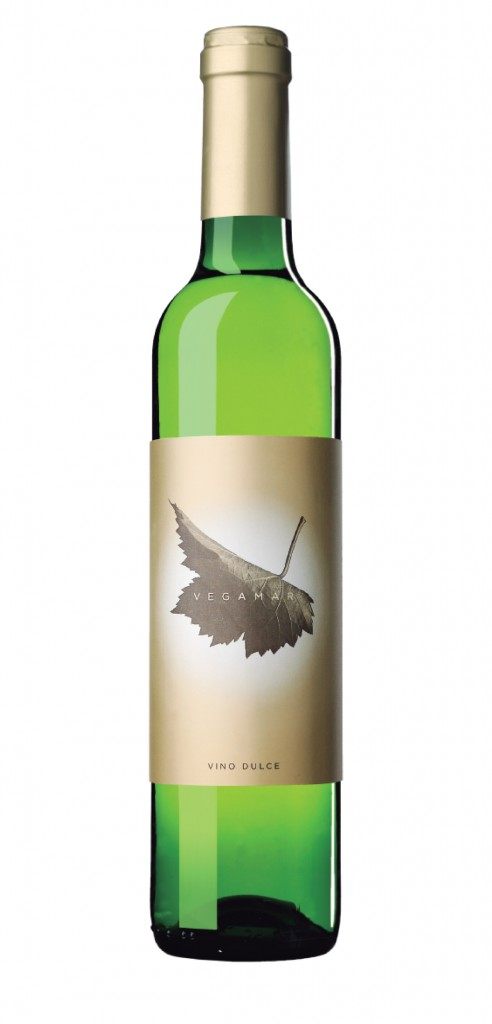 Vegamar Vino Dulce wine bottle design