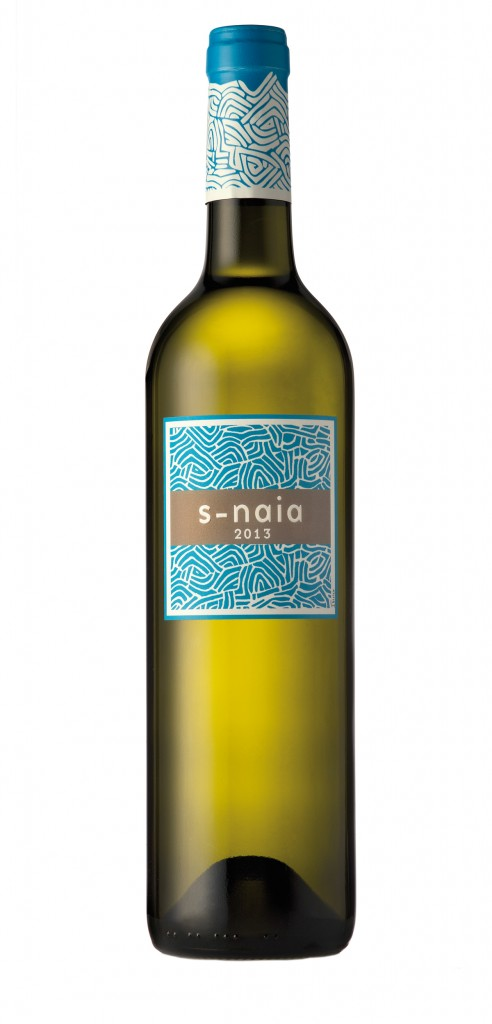S-Naia 2013 wine bottle design