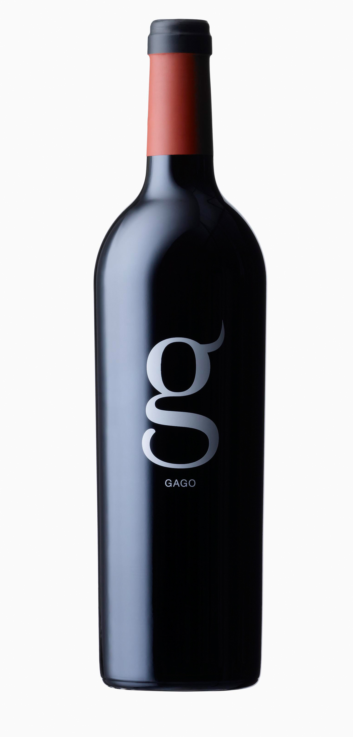 Gago wine bottle design