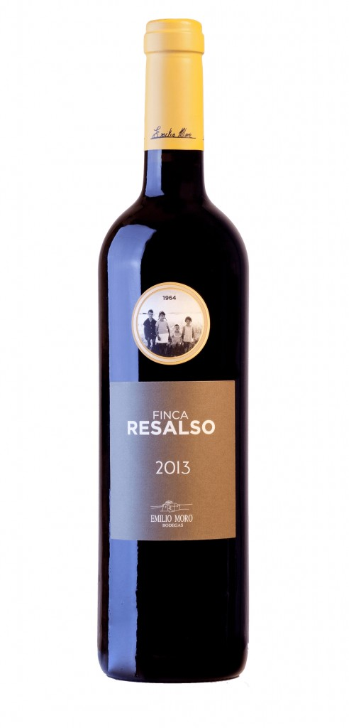 Finca Resalso wine bottle design