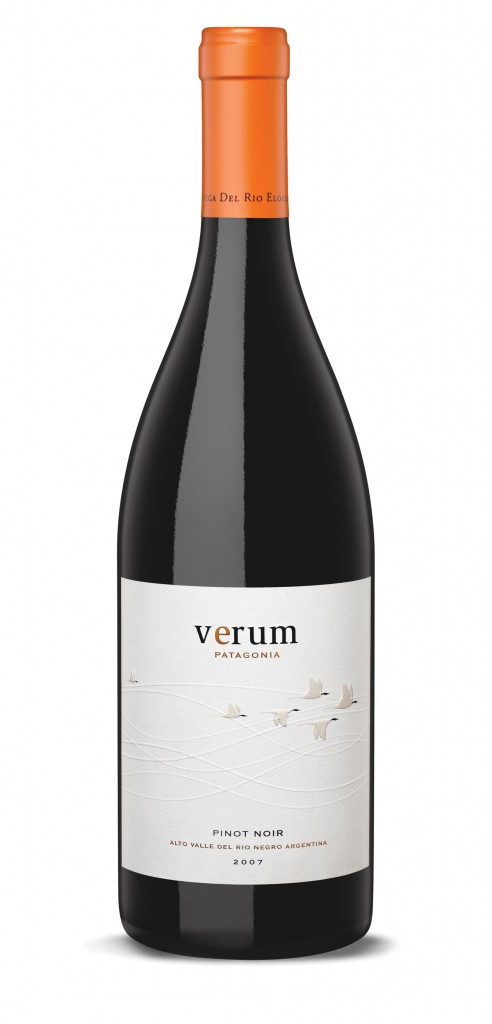 Verum Pinot Noir wine bottle design